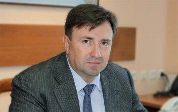 Черкасский Руслан Анатольевич: досье, карьера и достижения чиновника.  Politeka