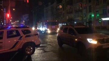 НП сталася в нічному клубі Києва в розпал локдауну, прибули пожежники й поліція: кадри