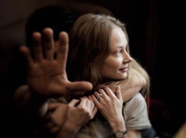 """""""Побита"""" блондинка з фільмів """"Квартал 95"""" насторожила виглядом в погонах: """"Любов зла..."""""""