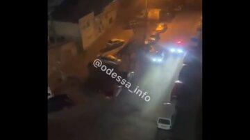 """В Одесі копи влаштували погоню за п'яним водієм на Жигулях, відео: """"закінчилося прильотом в дерево"""""""
