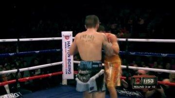 Как украинец Сенченко закончил карьеру легендарного британского боксера: кадры удара