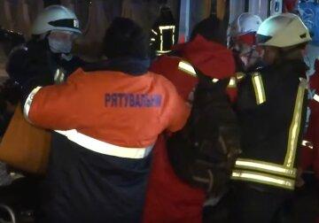 спасатели, пожарные