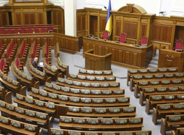 Из Рады бегут депутаты: кто решил сложить с себя полномочия, назван «преемник»