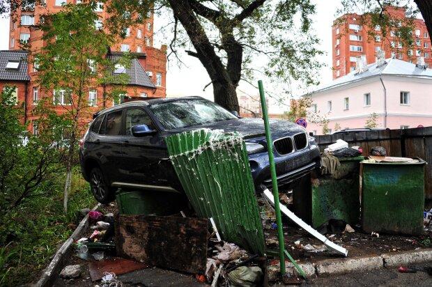 BMW на смітнику