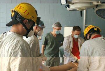 Українець надів гайку на дітородний орган: замість лікарів за справу взялися рятувальники, фото
