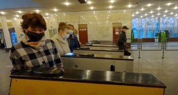 """У Києві можуть закрити метро та інший громадський транспорт, заява: """"Враховуючи епідеміологічні показники..."""""""