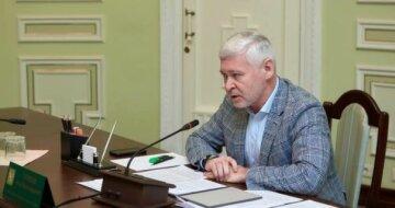 """Терехов тягнув з """"почесним громадянством"""" для Кернеса заради піару, - експерт"""