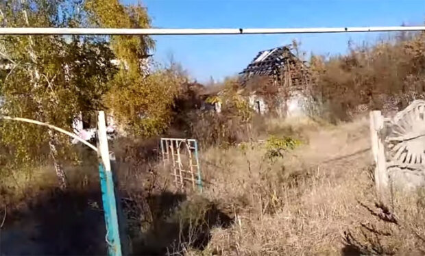 """Ужасающие последствия оккупации россиянами Донбасса попали на видео: """"разбито и разграблено"""""""