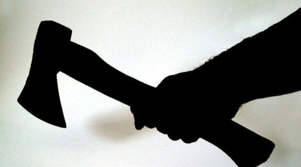 Лужи крови: подросток с топором покромсал прохожих