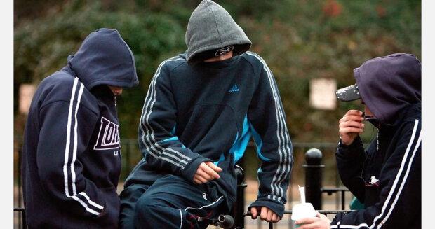 Банда підлітків взяла в заручники селище на Харківщині, назріває самосуд: деталі скандалу