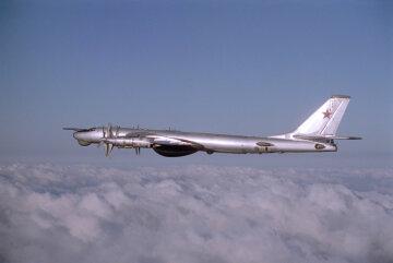 Ту-95 военный самолет
