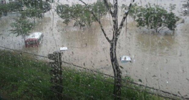 Стихия с новой силой разгулялась на Одесчине, затоплены дома: кадры последствий