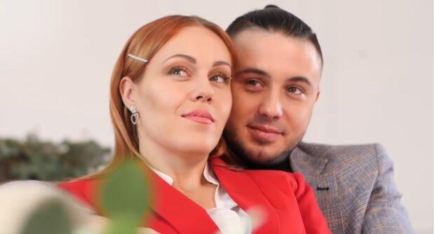 «Настоящая леди»: Alyosha и Тарас Тополя показали трогательные снимки новорожденной дочки