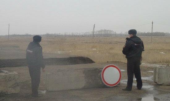pavodok_razrushil_dorogu_omsk_tara_v_omskoy_oblasti_dorogi_rossii
