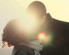 поцелуй, знаменитость, певица, пара
