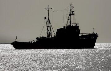 судно, море