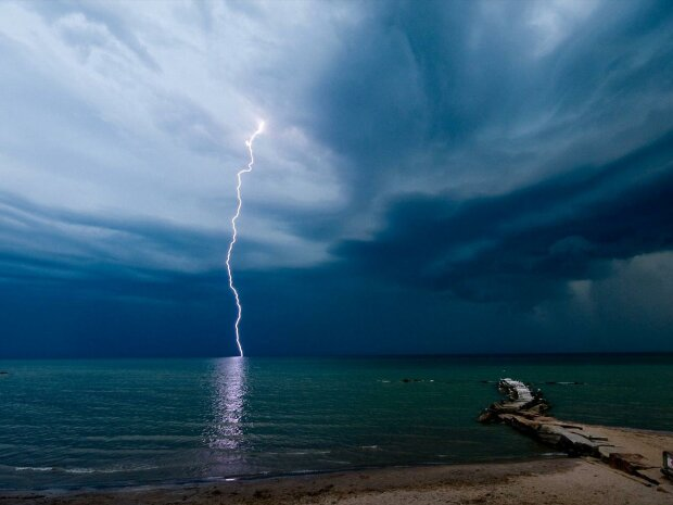 черное море, экологическая катастрофа, катастрофа на море, молния