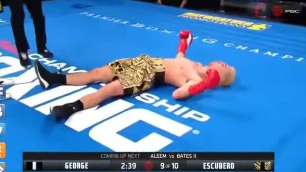 Боксер упал без сознания: видео жесточайшего нокаута появилось в сети