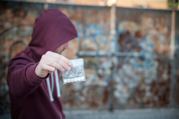 закладчик, наркотики