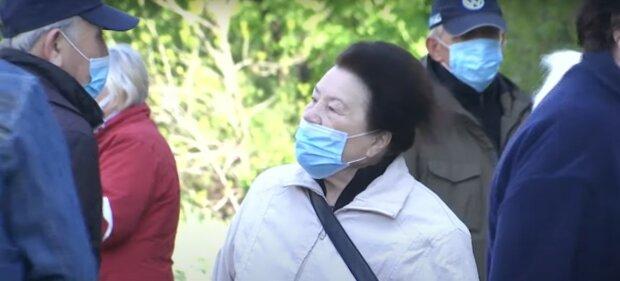 пенсия пенсионер карантин маски очередь выплаты люди