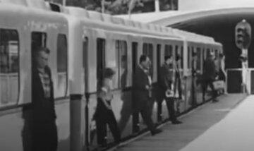 """В Киеве вагоны поднимали """"лифтом"""": как работало столичное метро до строительства моста, фото"""