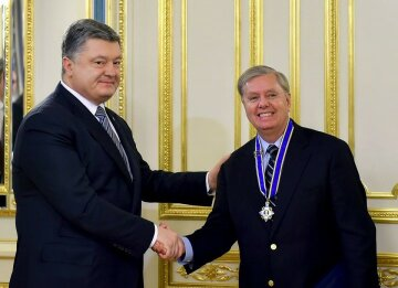 порошенко маккейн