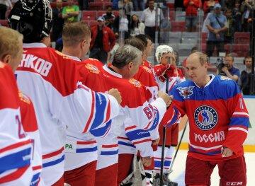 """Путин оконфузился на льду и довел россиян до слез: """"Клоунада"""", кадры позора"""