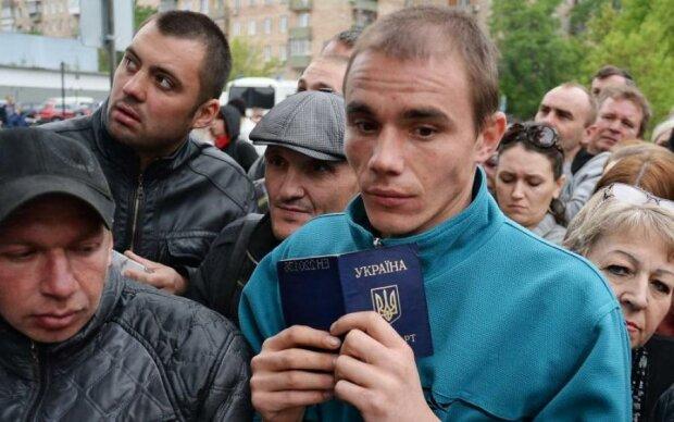 Робота за кордоном: українцям рекордно піднімуть зарплати, такого ще не було
