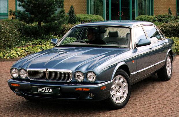 0300610-Jaguar-XJ-Sovereign-4.0-1997