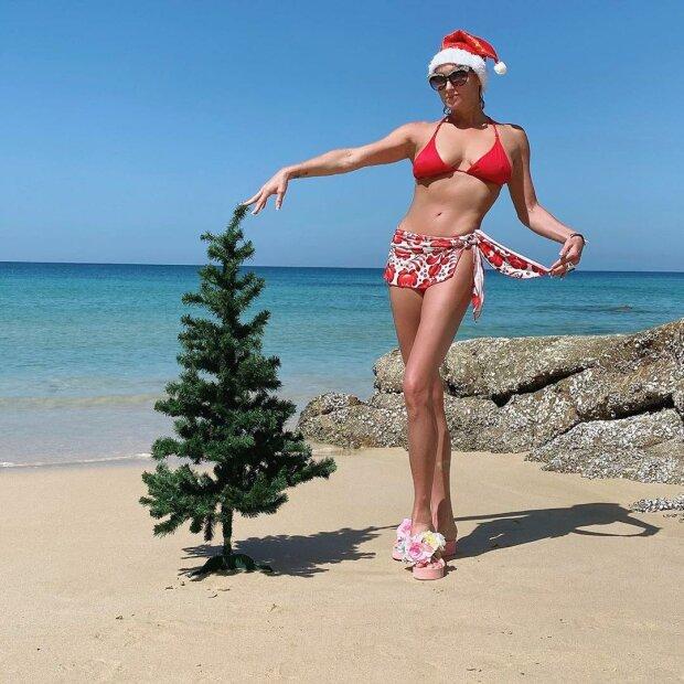"""Волочкова опозорилась, устроив новогоднюю фотосессию на пляже: """"Ну хоть вареник прикрыла..."""""""
