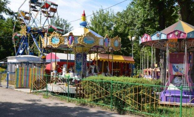 """Одесситам показали, что творится в парках  после смягчения карантина: """"Это незаконно"""", фото"""