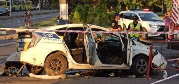 """ДТП з поліцією в Одесі: """"летіли на шаленій швидкості"""", момент аварії потрапив на відео"""
