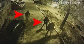 Журналиста, критиковавшего Кернеса, избили прямо у дома: видео нападения