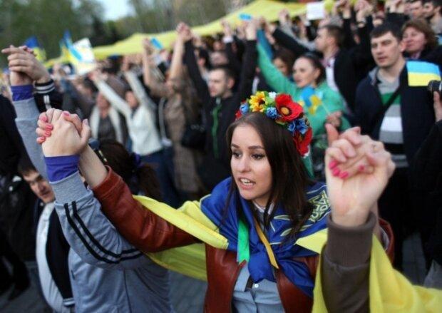Лікувати коноплею: українці висловилися щодо медичного ноу-хау
