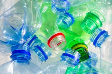 Топ-5 лайфхаков с пластиковыми бутылками: как украсить дом быстро и недорого