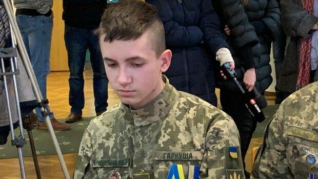 """Путінські пропагандисти принизили 16-річного сина """"кіборга"""": лякаючі фото"""