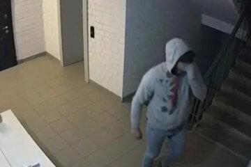 """Нахабні злодії почали мітити квартири киян, галас дійшов до КМДА: """"між дверима і косяком..."""""""