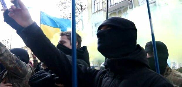 АТОвці вимагають відставки Сергія Верланова: у Києві пройшла потужна акція протесту