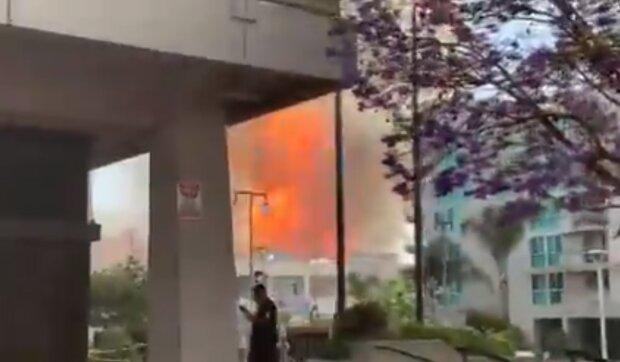 """Мощный взрыв прогремел в центре города: """"Дождь из пепла и..."""", подробности о раненых и кадры ЧП"""