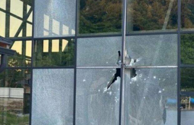 На Закарпатті відкрили вогонь по базі відпочинку з гранатомета: кадри руйнувань