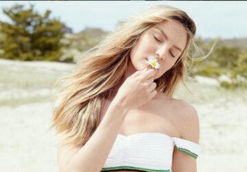 """Роскошная Кэндис Свейнпол из """"Victoria's Secret"""" ничего не утаила под мокрым пеньюаром: """"Богиня"""""""