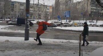 Безжалостная стихия атаковала Одессу, дороги превратились в каток: видео происходящего