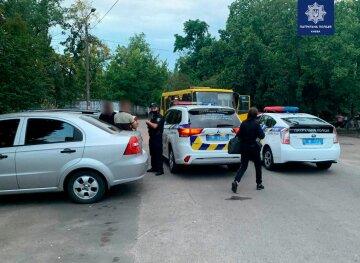 В Киеве молодые люди угнали маршрутку и устроили беспредел на улицах столицы: кадры ЧП