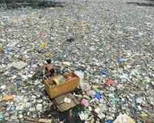 пластиковый мусор в море