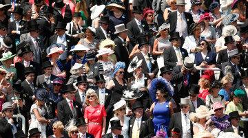 Парад богатства и красоты: как проходят британские королевские скачки (фото)