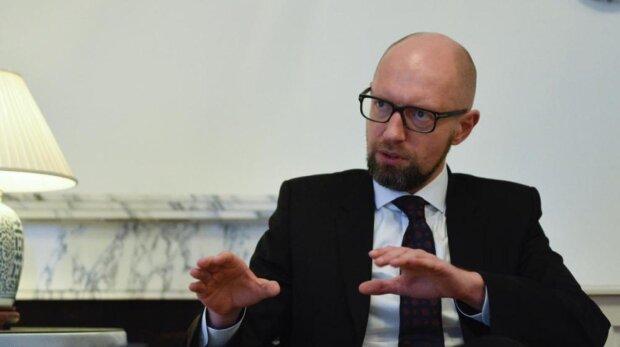 Україна прославиться на весь світ, якщо не знайде компроміс з міжнародними інвесторами в зелену енергетику – Яценюк