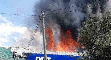 Пожежа знищила магазин в Одесі: подробиці і кадри НП