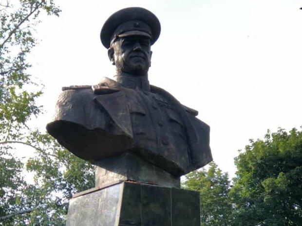 маршал Жуков, памятник