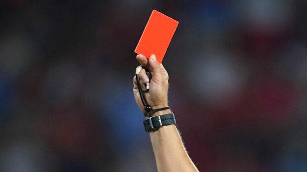 арбитр, судья, рефери, футбол, красная карточка