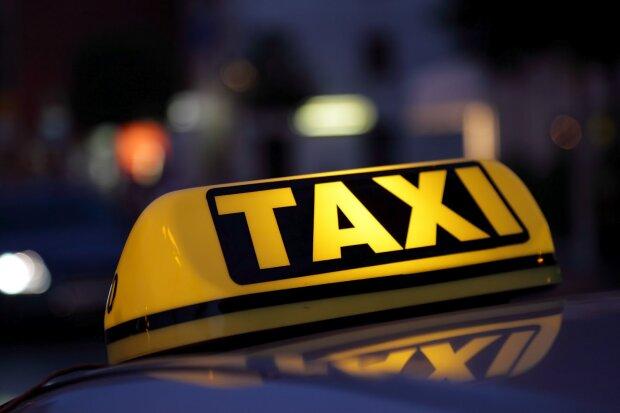 У Києві таксист-наркоман пішов на таран, постраждала вагітна